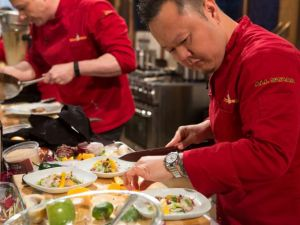 http://www.foodnetwork.com/shows/chopped/photos/chopped-all-stars-season-4-part-4-in-review.html